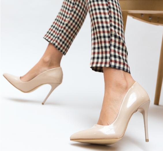 Pantofi Nude de femei cu toc eleganti piele lacuita eco ieftini