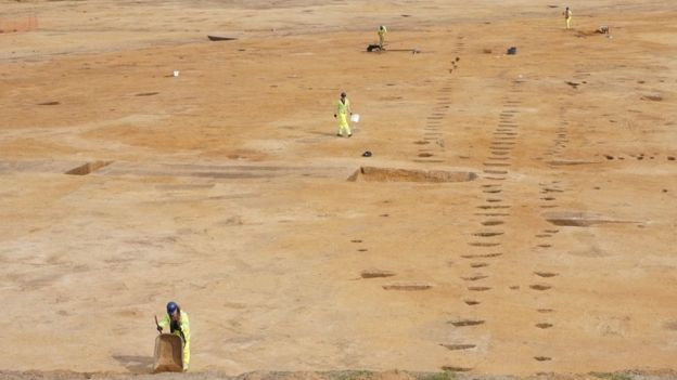 Roadworks unearth 'very unusual' Bronze Age settlement in Norwich