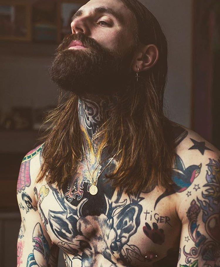 tatuagem masculina no peitoral