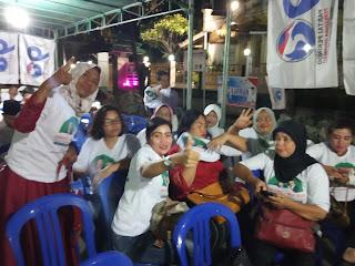 Bang Karman Bersama Emak-emak Siap Menangkan Jokowi di Mataram.
