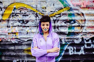 Segunda mulher a comandar a atração, ela assume o posto que já foi de Max B.O., Thaíde, Rappin Hood e Anelis Assumpção - Foto Renato Nascimento