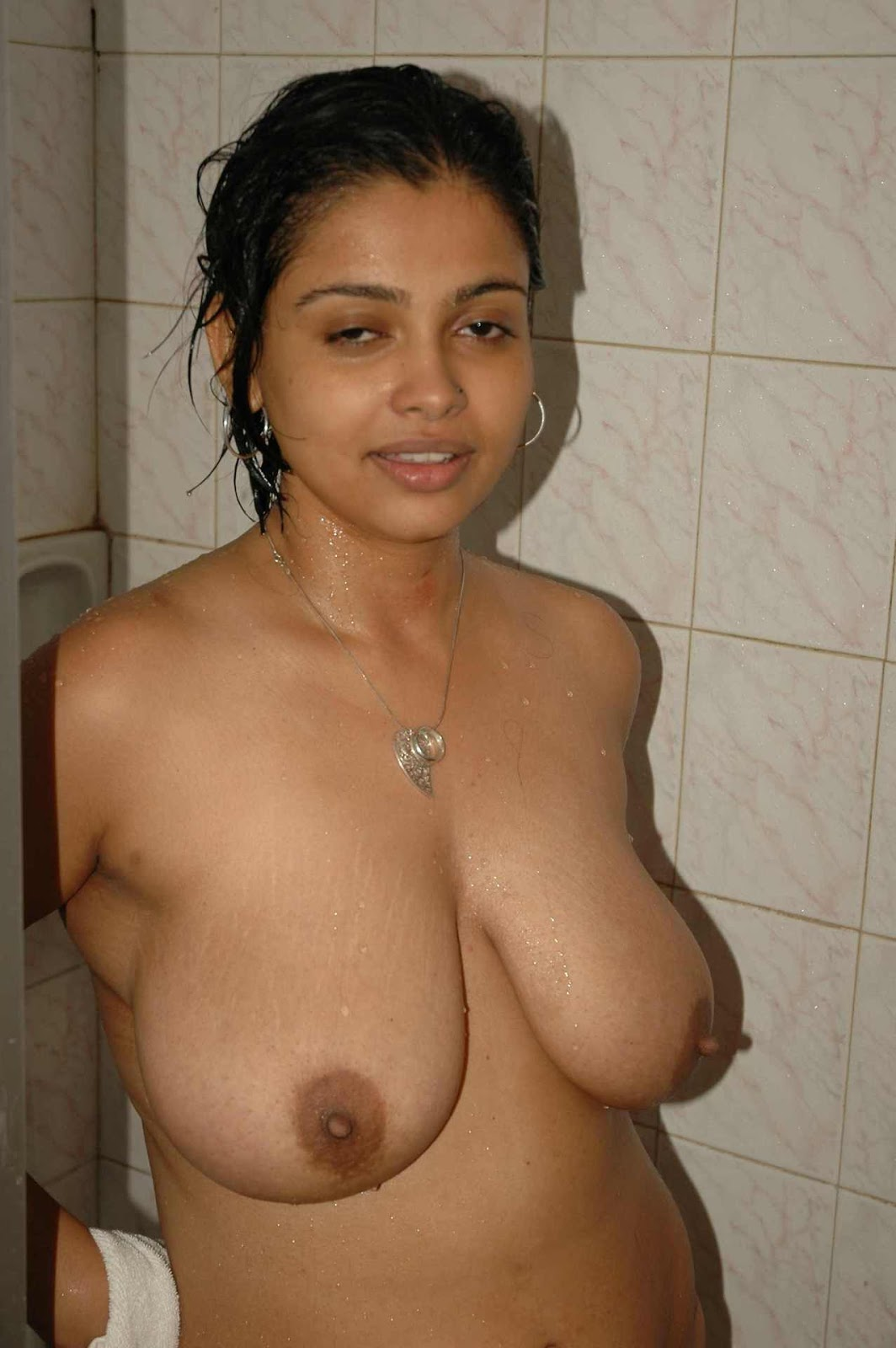 Nangi bangladeshi girl mamme pics collection