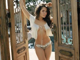 Bollywood Hot Actress In Bikini Bollywood Actress in Bikini Pics 76