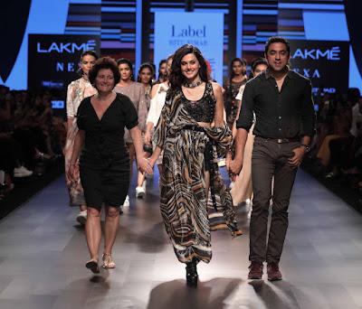 Taapsee-Pannu-at-celebrities-at-Lakme-Fashion-Week-2018-Photos3