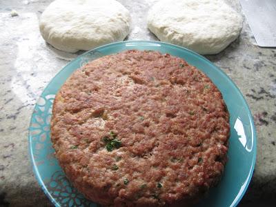 Pan relleno de hamburguesa olla GM