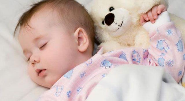 Makanan-Makanan yang dapat membuat Tidur Nyenyak