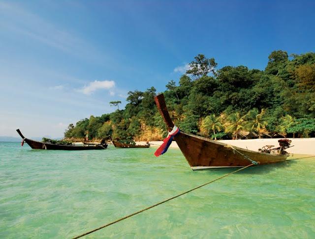 Pulau di Indonesia Ini Sangat Indah, Sayangnya Terlarang Bagi Perempuan