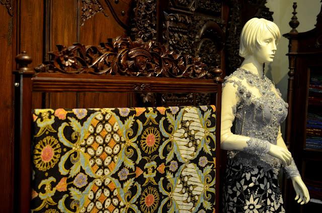 Ragam batik ini tentunya akan memperkaya khasanah perbatikan di Kabupaten  Pekalongan dan Indonesia. Petung Kriyono yang menjadi paru-paru Kabupaten  ... 1f61b8d6bb