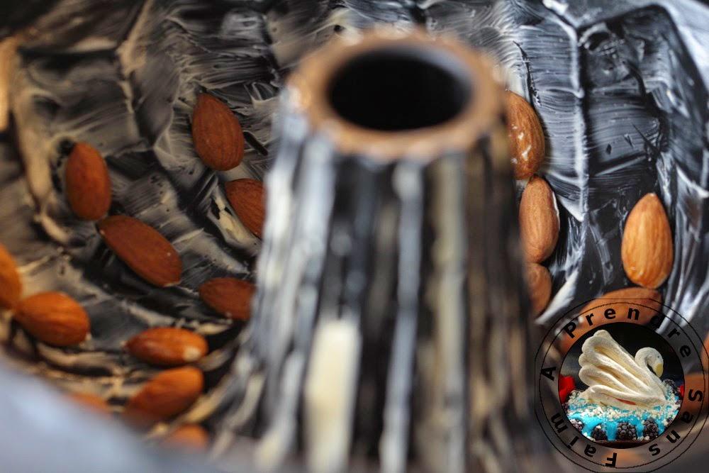 Kougelhof alsacien au sirop d'amandes parfumé à la fleur d'oranger (pas à pas en photos)
