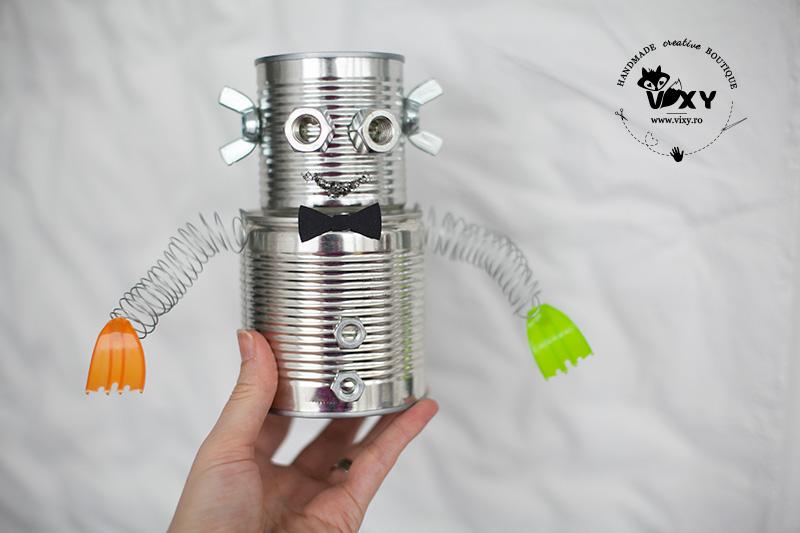 tema petrecere roboti, robotel, robot metalic, robotel reciclat, robotel decor, robot realizat manual, robot din conserva
