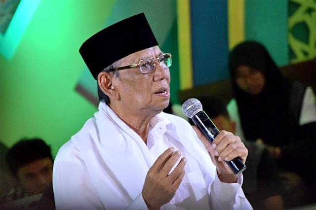Ketika KH Hasyim Muzadi Diminta Gurunya Tinggalkan Jabatan Anggota DPR
