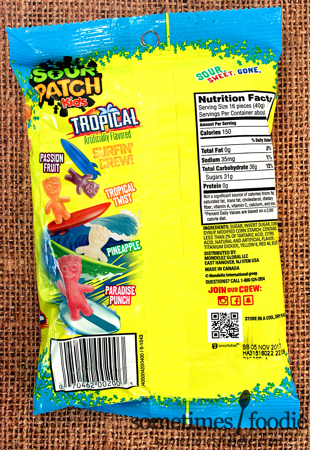 Product Description comes to fruit juice drinks, Hawaiian Punch is The Big Kahuna. Bursting.