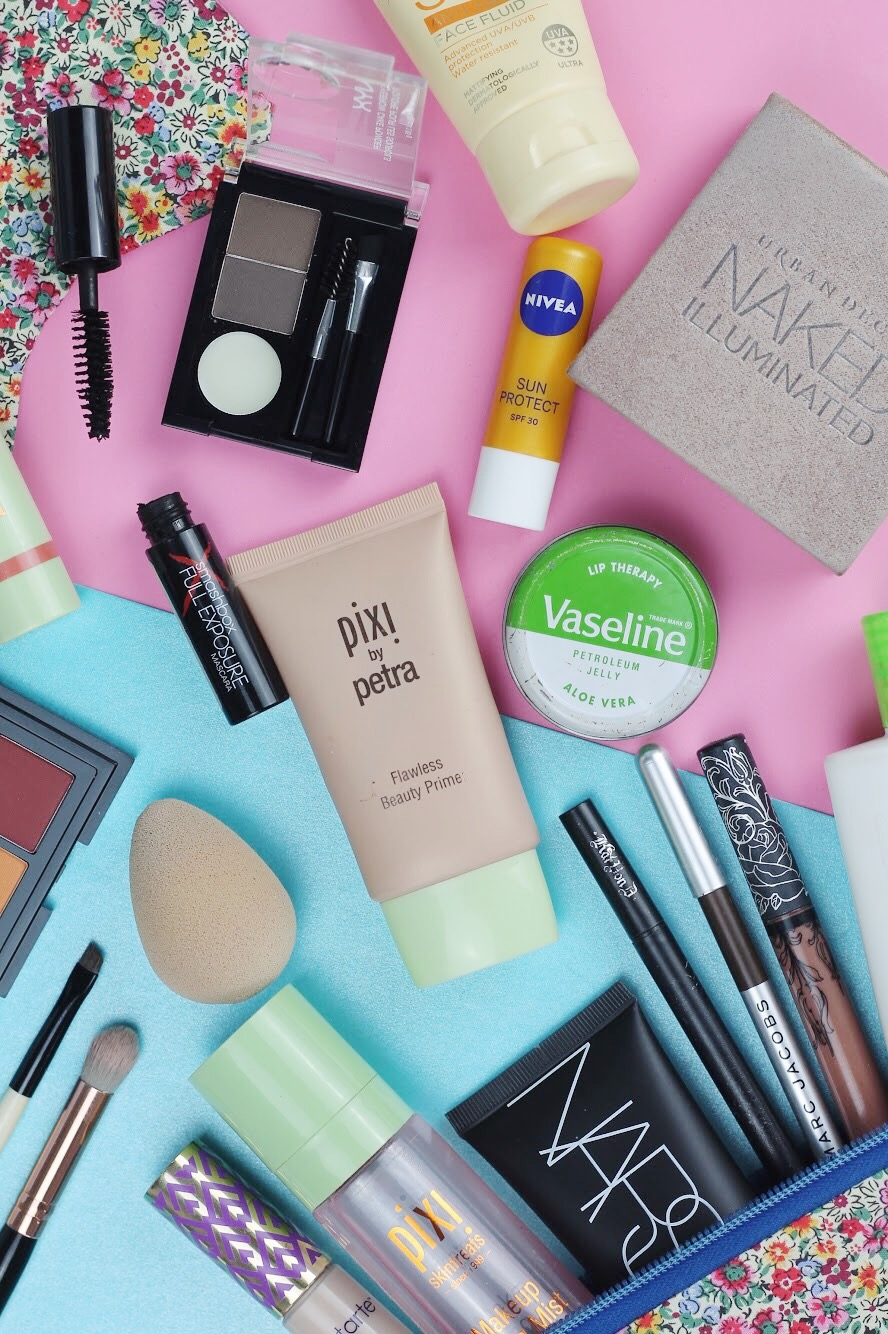 what makeup to take on holiday
