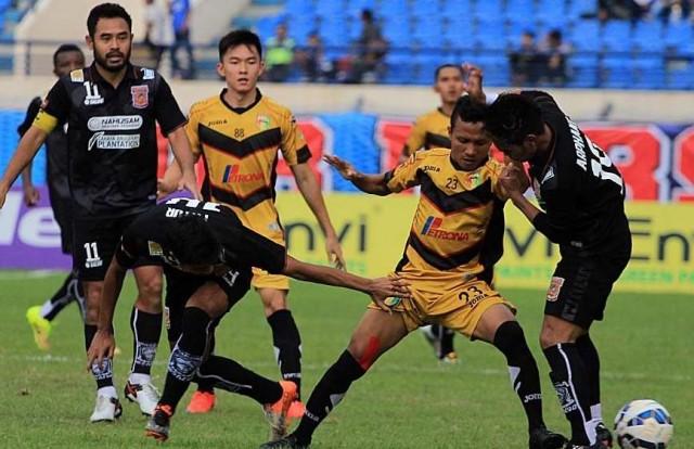 Mitra Kukar vs Borneo FC