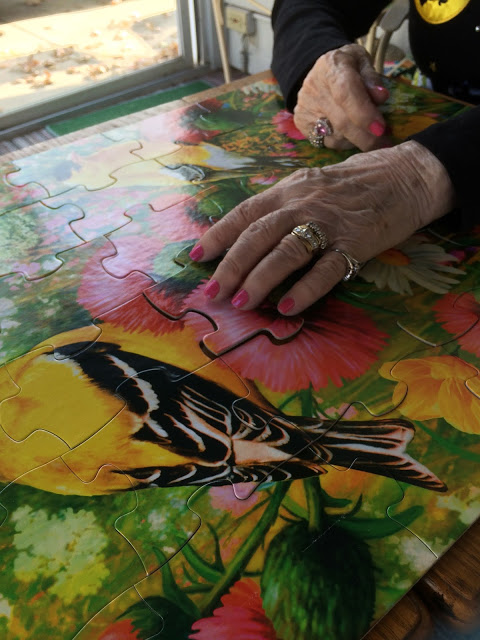 Thoughtful Mother's Day Gifts for Dementia