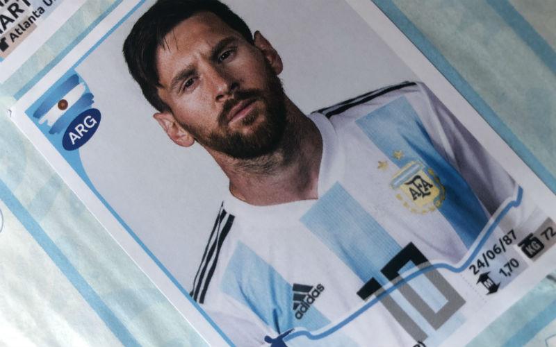 La figurita de Lionel Messi en el album de la Copa America 2019