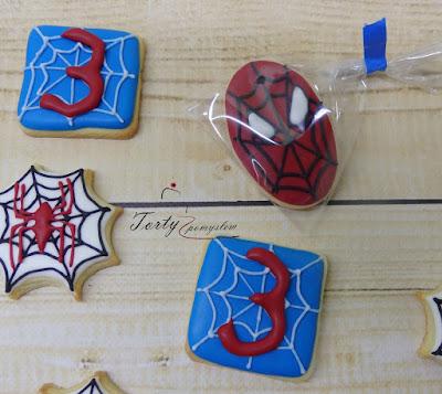 ciasteczka głowa spiderman