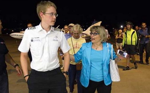 19 years teen became youngest person to complete solo fly around the world