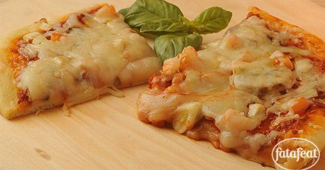 طريقة عمل بيتزا رقيقة وبيتزا سميكة من مطبخ فتافيت