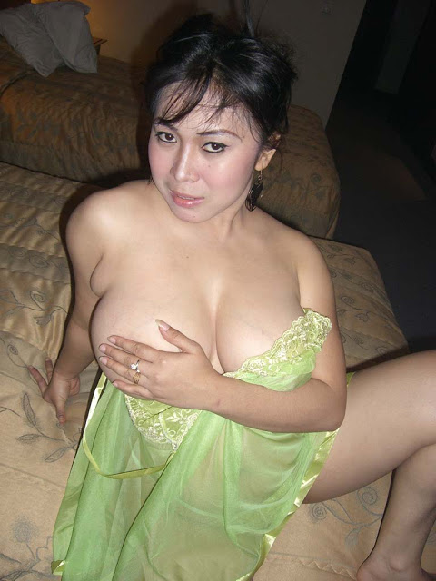 Foto Ngentot Tante Girang di Hotel