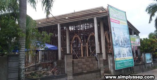 DUKUNG :  Masjid Babussalam Duta Bandara Kubu  saat ini dalam tahap proses finishing sedang terus dikerjakan. Mohon doa dan dukungannya agar masjid segera terwujud, Aamin. Foto Asep Haryono