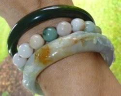 Jade Blogger Should I Wear My Jade Bangle On My Right Wrist Or Left