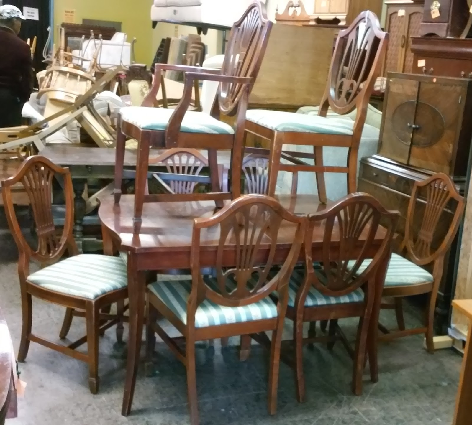 UHURU FURNITURE COLLECTIBLES SOLD Duncan Phyfe Dining Set Table 8 Ch