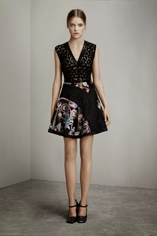 6282ae5b3 Mujeres y Vestidos de Moda  New York con la Ultima Moda de Mary ...
