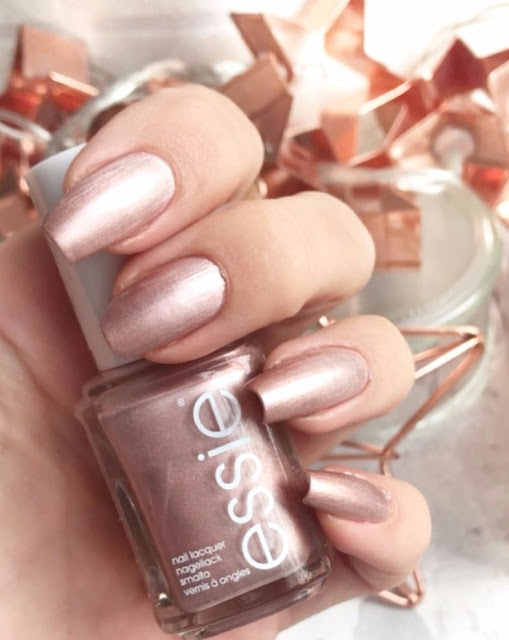 essie-winter-2017-galaxy-metals-reflection-perfection