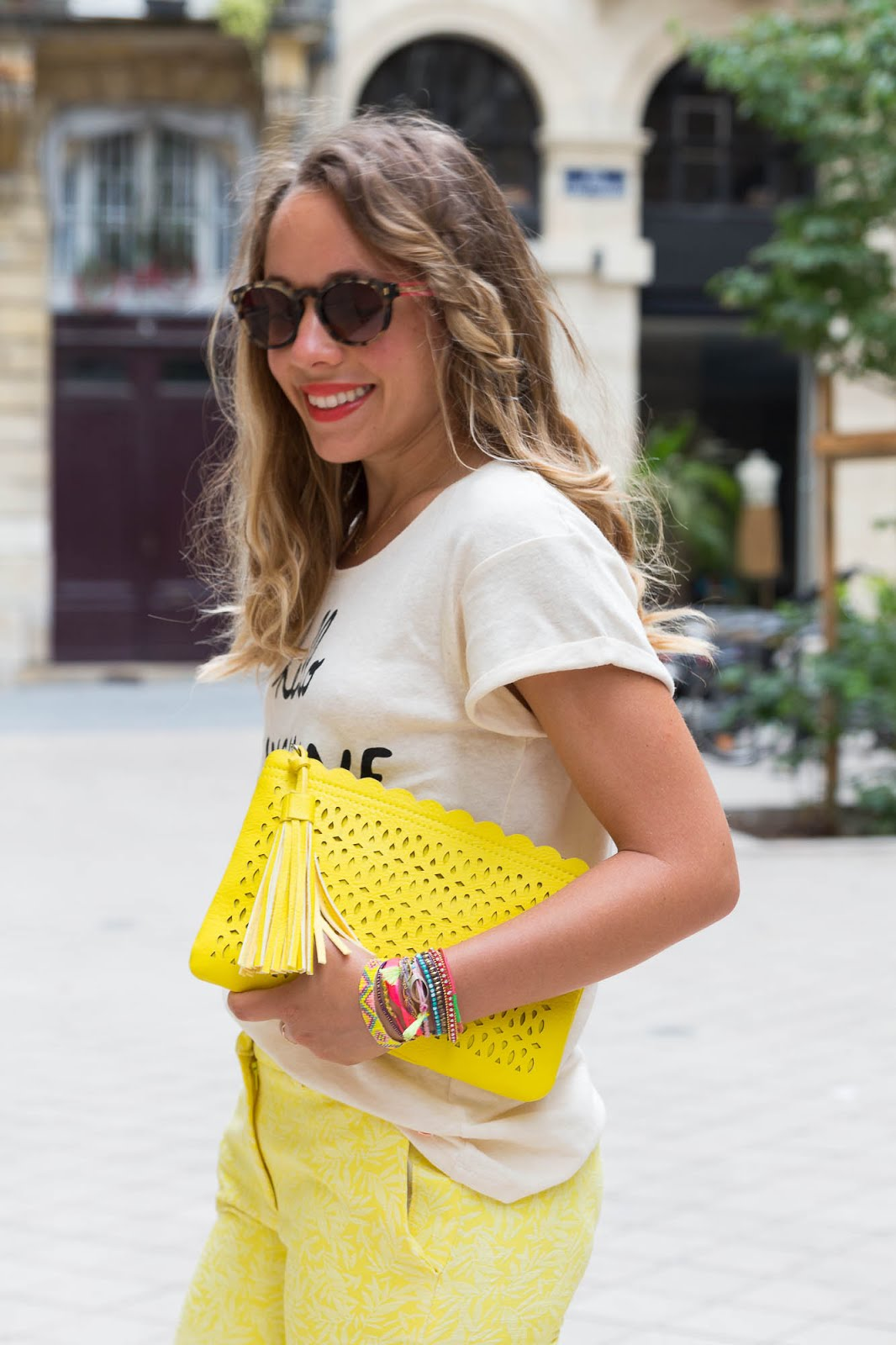 tenue été jaune