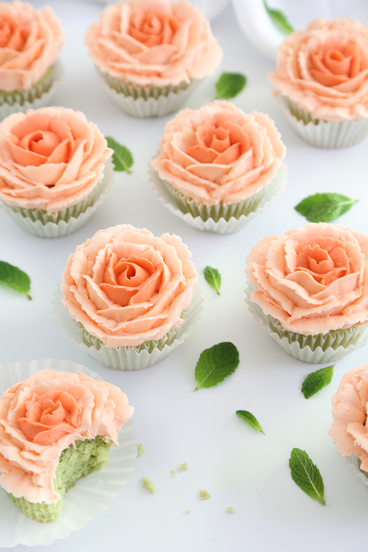 Mint Julep Cupcakes And How To Pipe Buttercream Roses Sprinkle Bakes