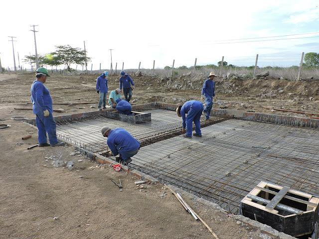 Em Inhapi, obra do sistema de abastecimento avança e  gera empregos no município e  região