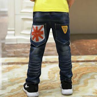 Celana Jeans Anak Laki-Laki Motif Simpel
