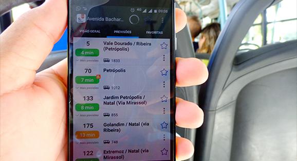 Usuários das empresas Transportes Guanabara e Expresso Oceano podem consultar o ônibus mais próximo por aplicativo