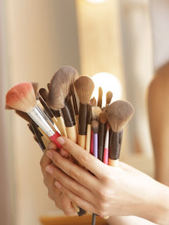 rinse makeup brush