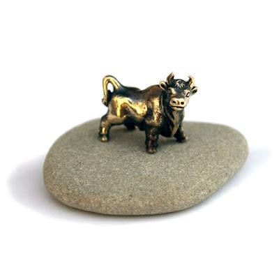 быки из бронзы и латуни купить статуэтки бронза телец интернет магазин