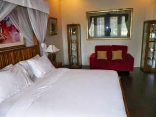 Rumah Stroberi Lembang kamar suite untuk pengantin baru
