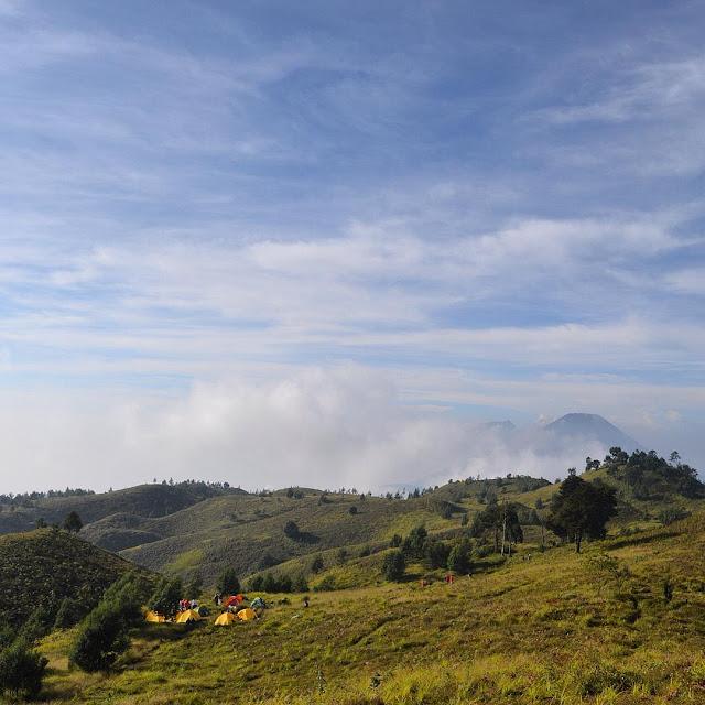 foto bukit teletubbies gunung prau
