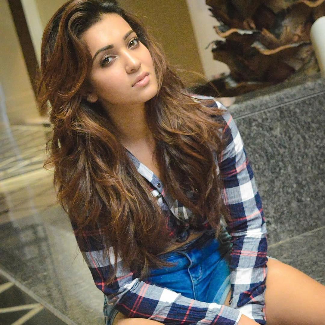 Koushani Mukherjee Hot Photo | Koushani Mukherjee Images - HD Actress Photo