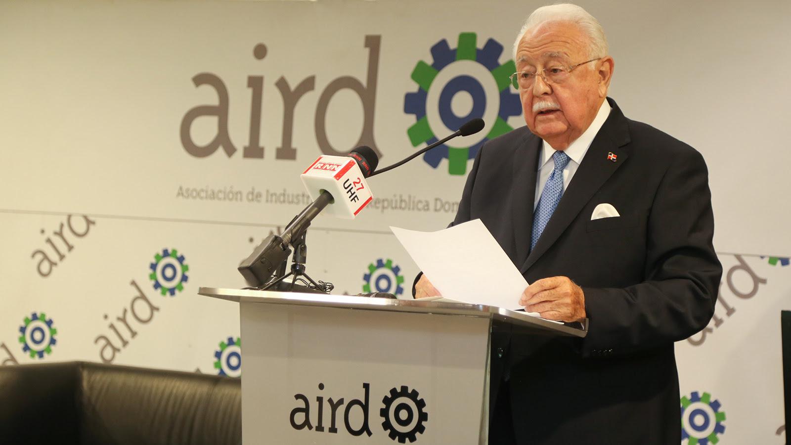 Antonio Isa Conde: uso eficiente de energía debe ser desafío constante de todos