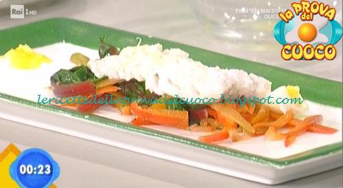Insalatina tiepida al nasello ricetta Valbuzzi da Prova del Cuoco