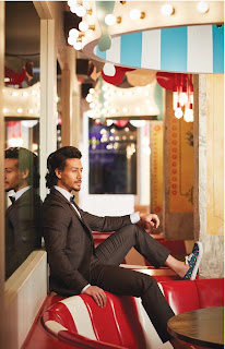 TigerShroff.MansWorld.4.jpg