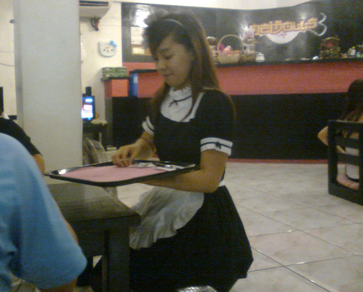 A Taste Of The Philippines The First Maid Cafe In The