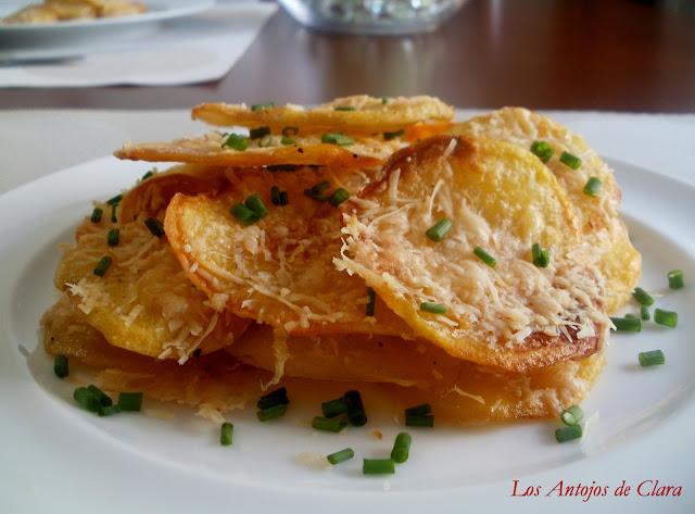 Patatas al horno crujientes con parmesano