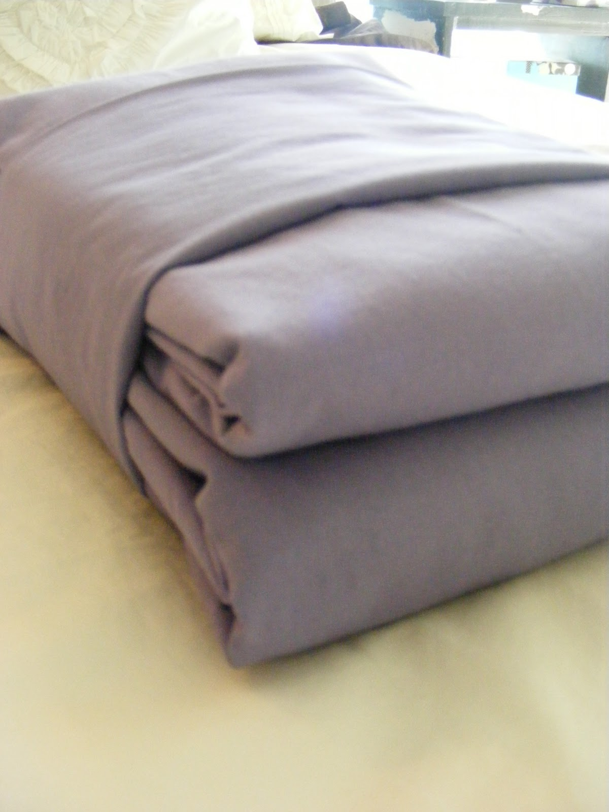 4 Ways To Fold Bedsheets
