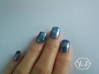 winter galaxy nail art