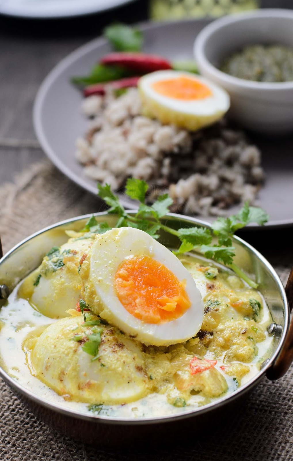 Simple and easy Eggs in Spiced Yogurt Sauce