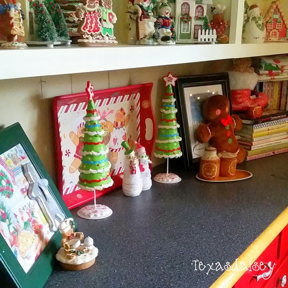 A Howard House Christmas Tour of A Gingerbread Kitchen 19