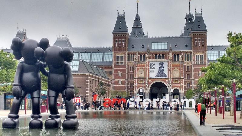 Amsterdam trung tâm kinh tế văn hóa