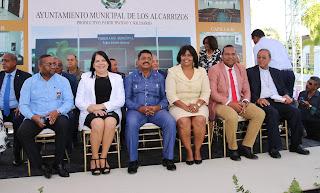 Alcalde Junior Santos deja inaugurada una funeraria municipal en el sector Los Multis, en los Alcarrizos